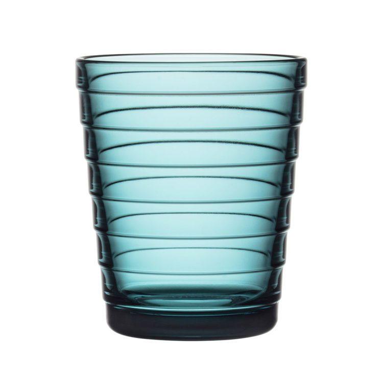 Meerblauer Iittala Aino Aalto Becher bei der Boutique Danoise