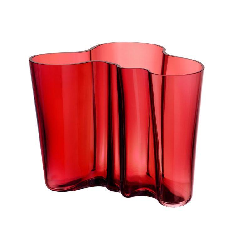 Rote kleine Iittala Alvar Aalto Vase bei der Boutique Danoise