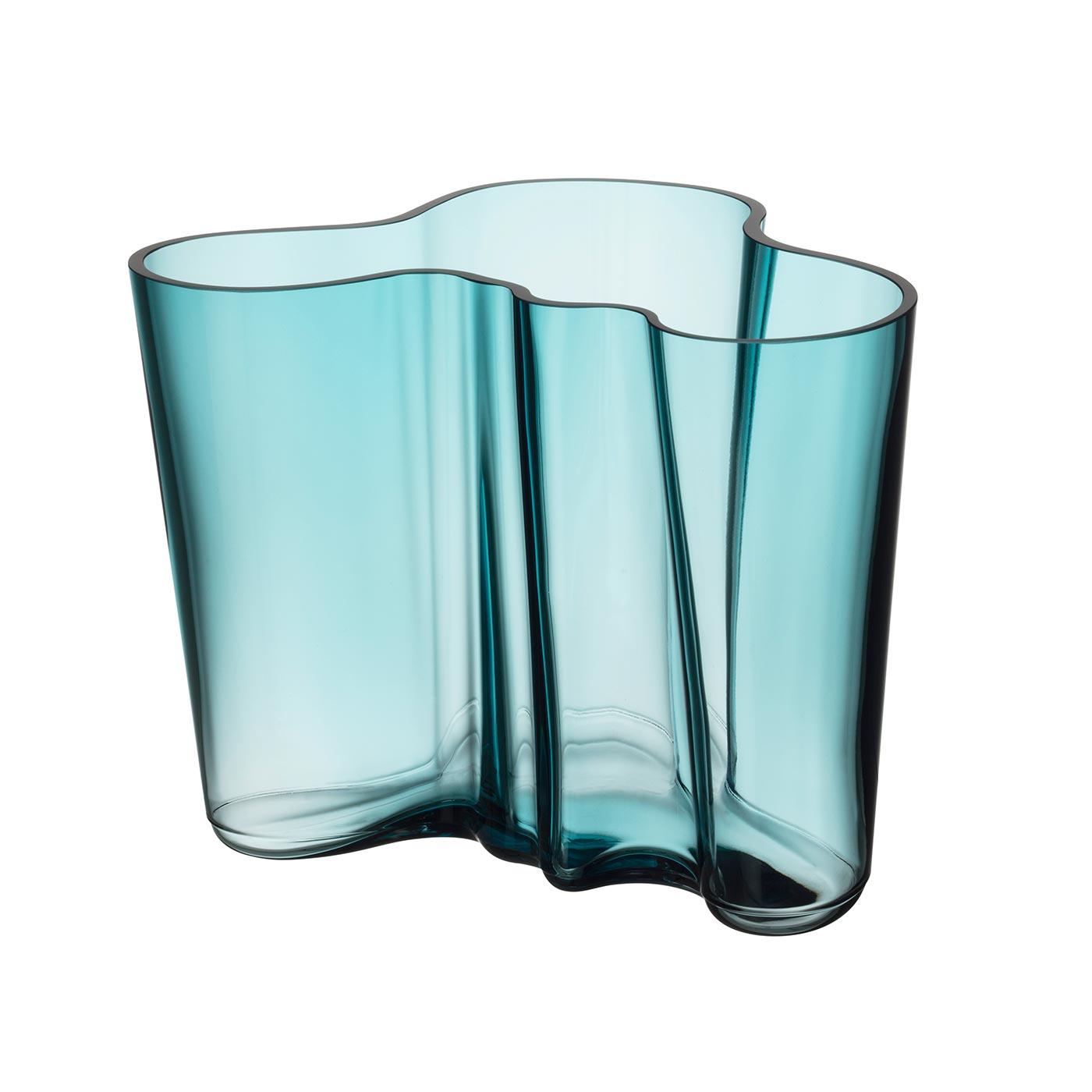 Hellblaue kleine Iittala Alvar Aalto Vase bei der Boutique Danoise