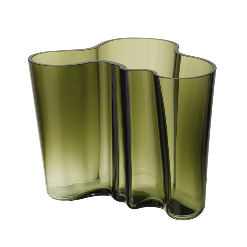 Moosgrüne kleine Iittala Alvar Aalto Vase bei der Boutique Danoise