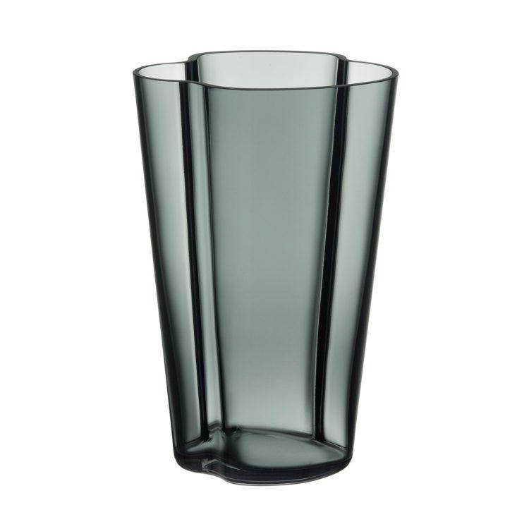 Hohe graue Alvar Aalto Vase bei der Boutique Danoise