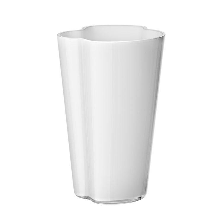 Hohe weisse Alvar Aalto Vase bei der Boutique Danoise