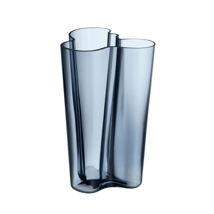 Hohe blaue Iittala Vase bei der Boutique Danoise