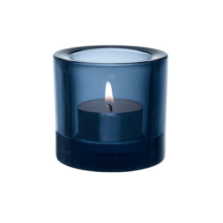 Dunkelblaues Iittala Kivi Teelicht bei der Boutique Danoise