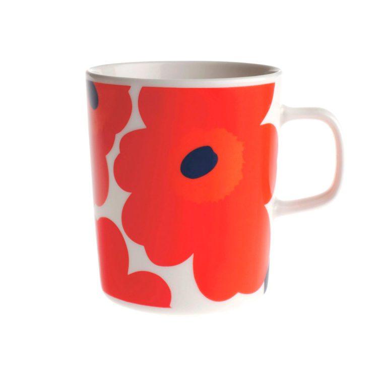 Kleine rote Marimekko Unikko Tasse bei der Boutique Danoise