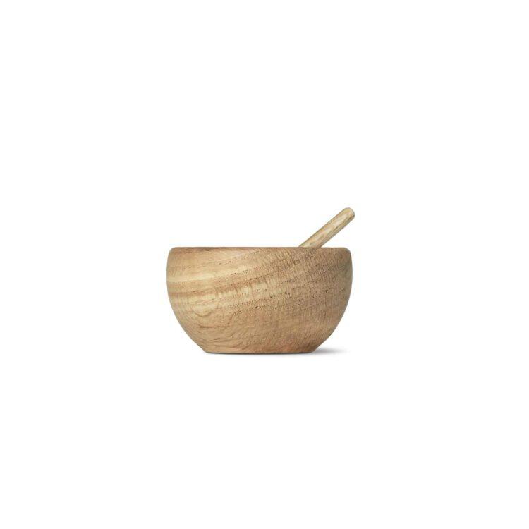 Eine skandinavische Salzschale aus Holz