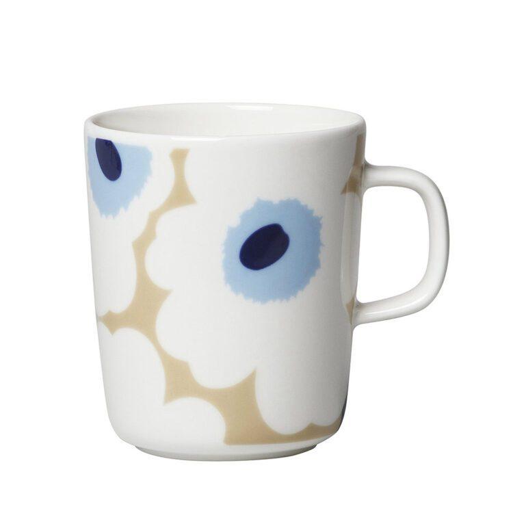 Weisse Marimekko Unikko Tasse bei der Boutique Danoise