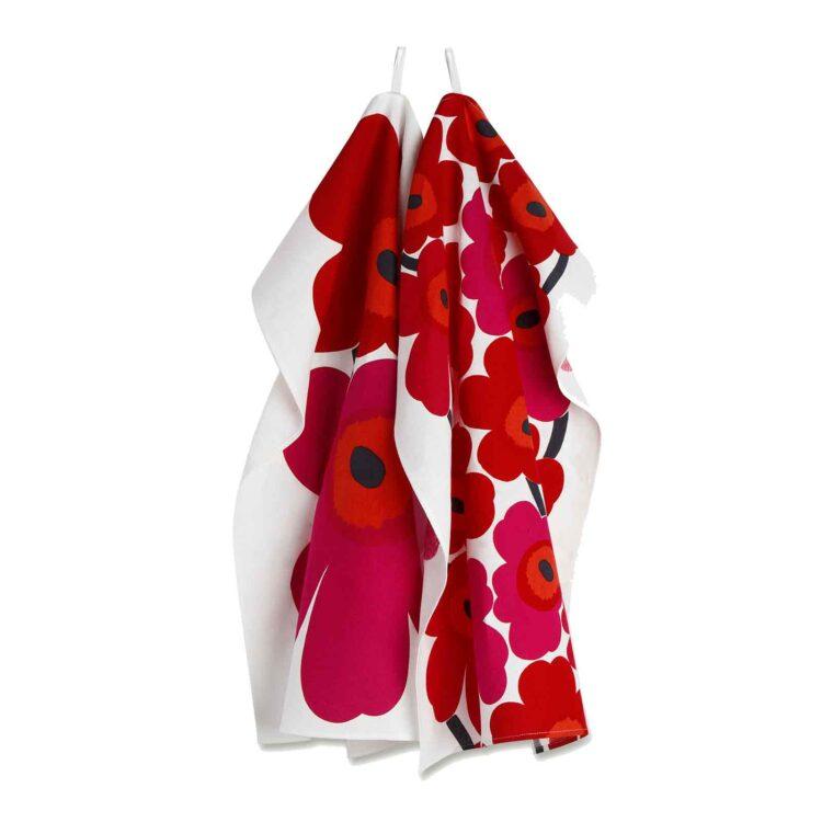 Rotes Marimekko Unikko Geschirrtuch bei der Boutique Danoise