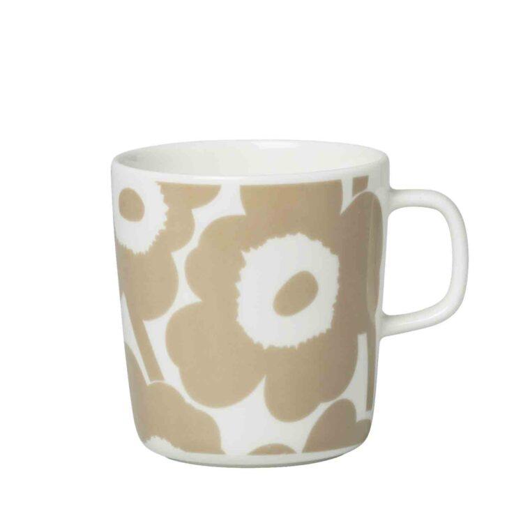 Kleine beige Marimekko Unikko Tasse bei der Boutique Danoise